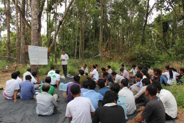 Community field visit in REDD001